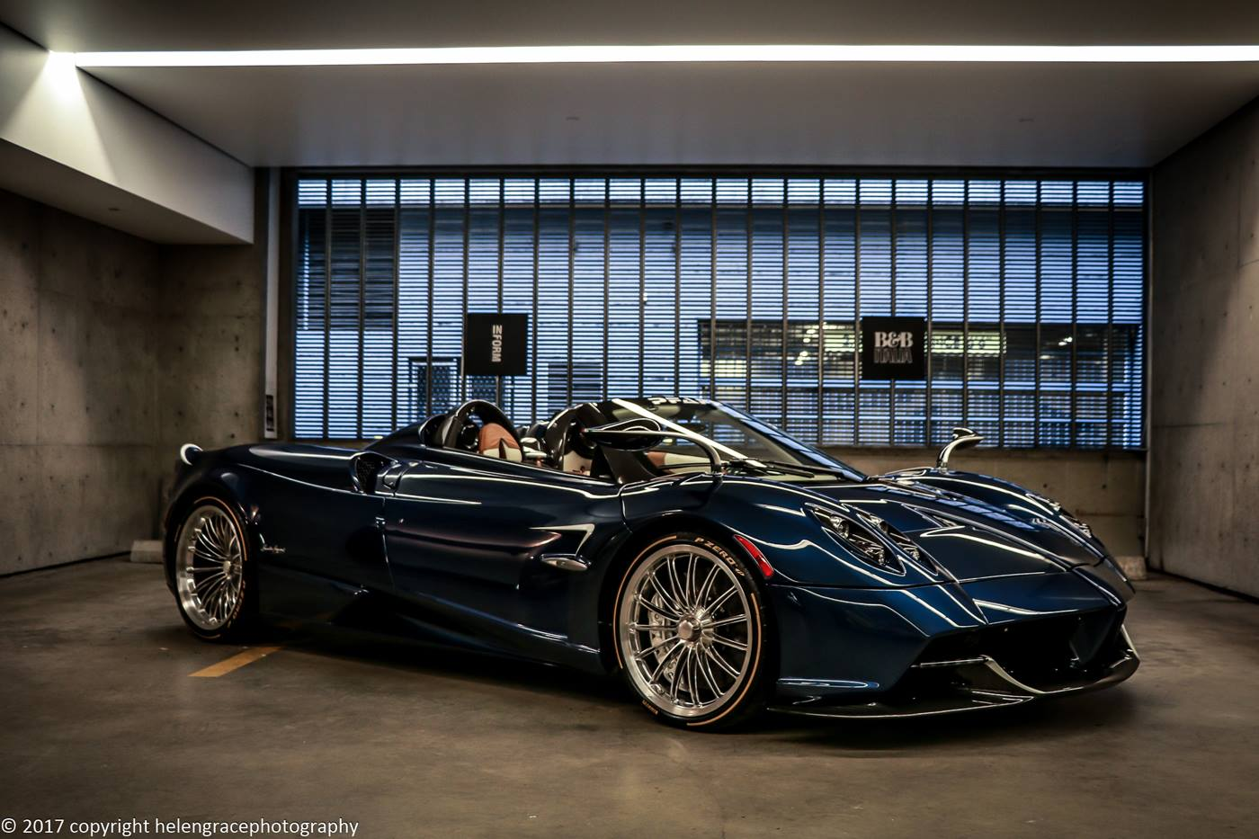 Inform-interiors-supercar-pagani