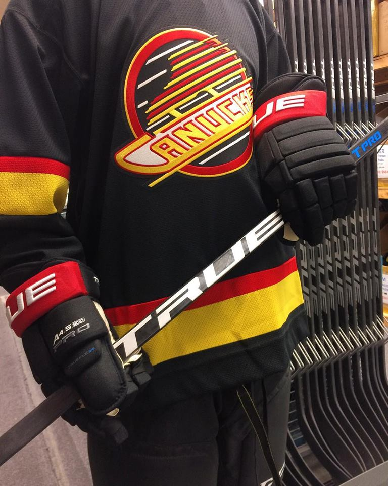 Sports-exchange-true-hockey-gloves
