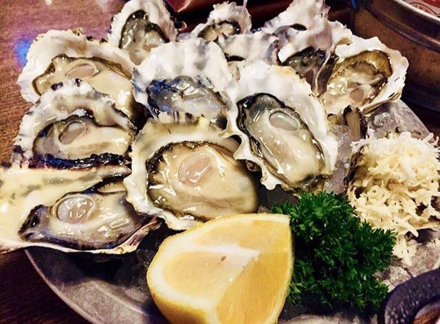 Chewies-raw-oysters