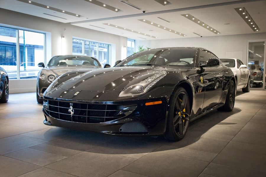 London-motorcars-ferrari-2016-ff-v12