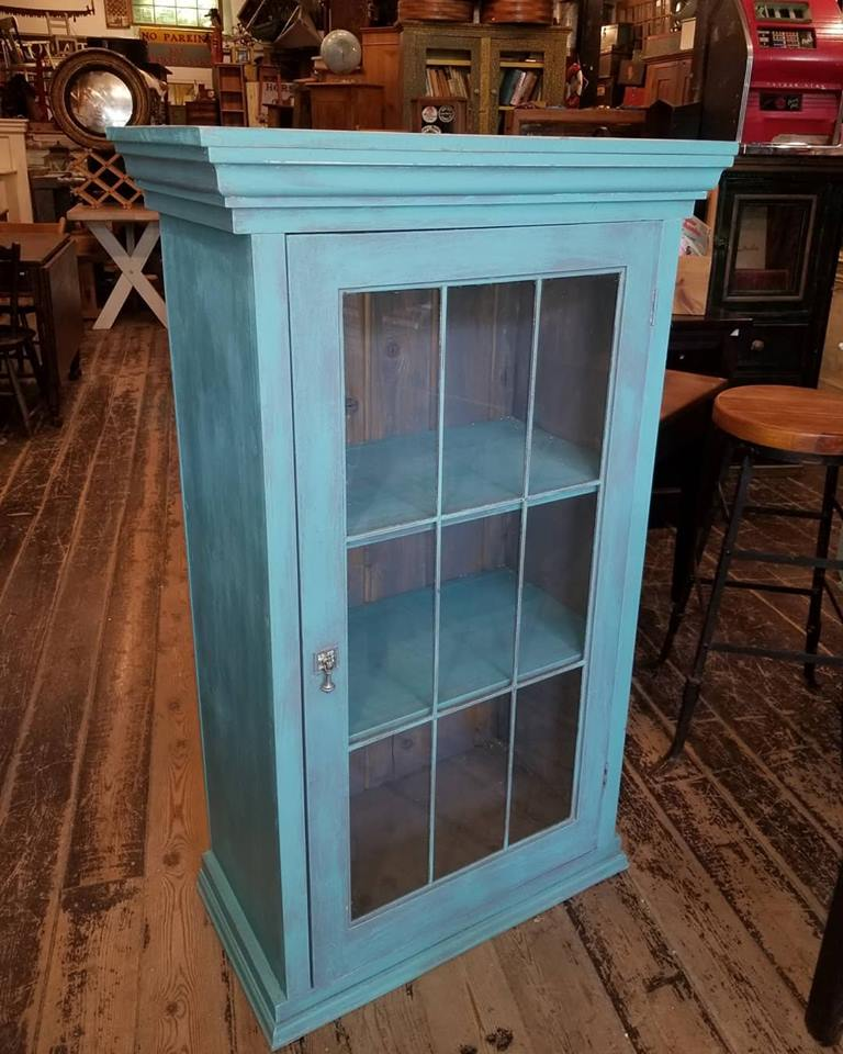 Folk-art-interiors-glass-door-cupboard