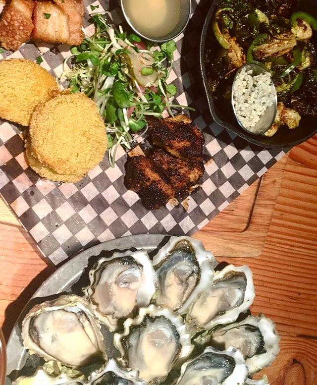 Chewies-happy-hour-raw-oysters