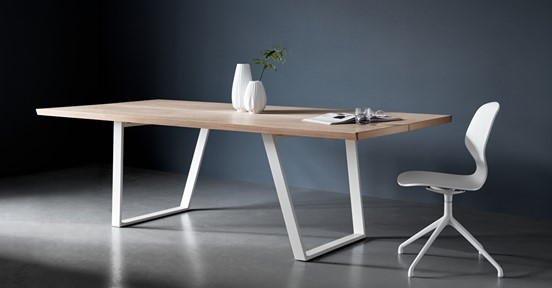 Boconcept-dining-table-sale