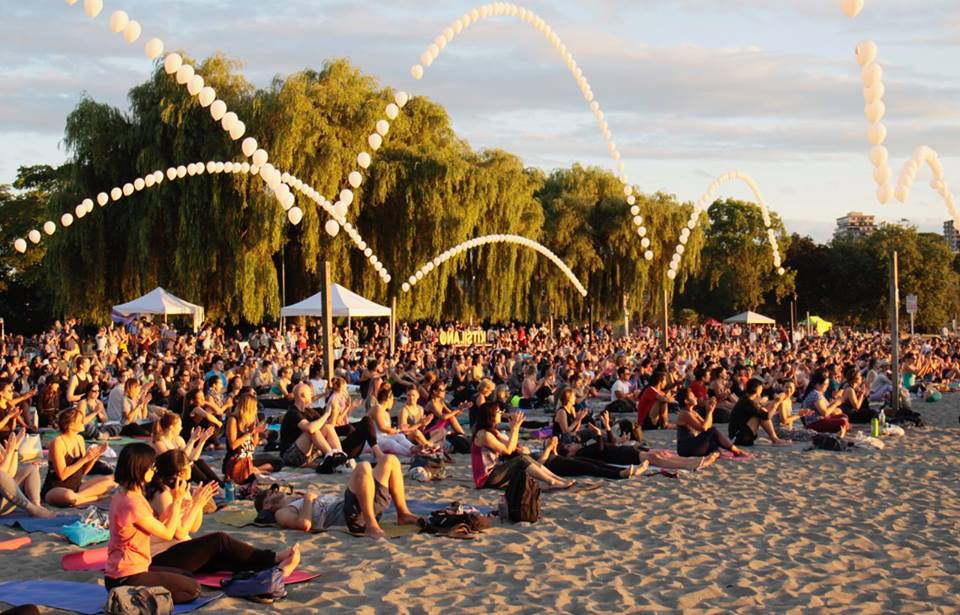Kitsfest-sunset-yoga
