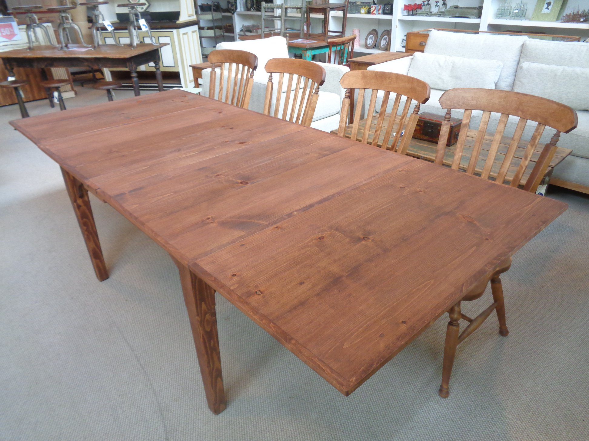 Farmhouse-butterfly-leaf-dining-table