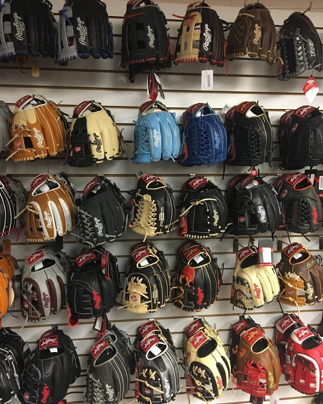 Rawlings-gloves
