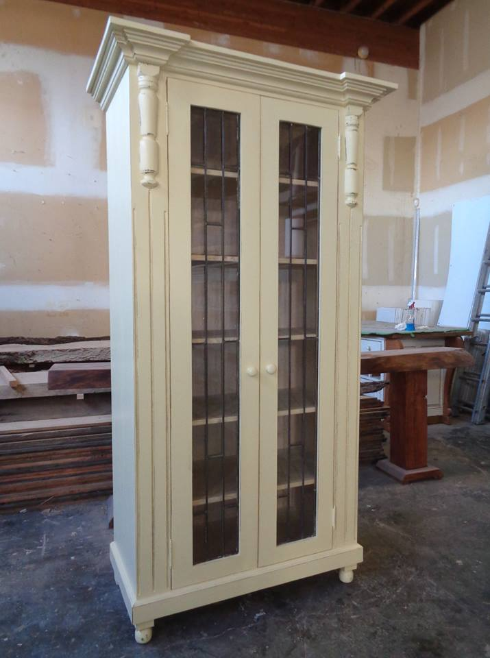 Farmhouse-linen-cupboard