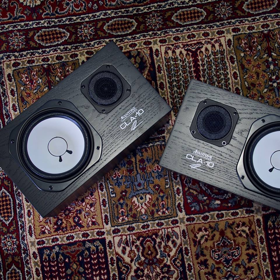 Cla10-studio-monitors
