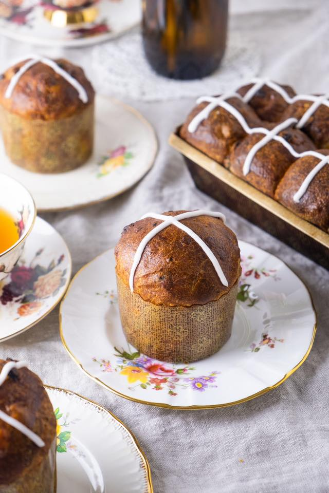 Beaucoup-hotcross-buns
