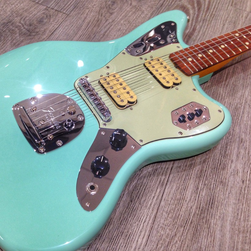 Fender-vintera-jaguar-green