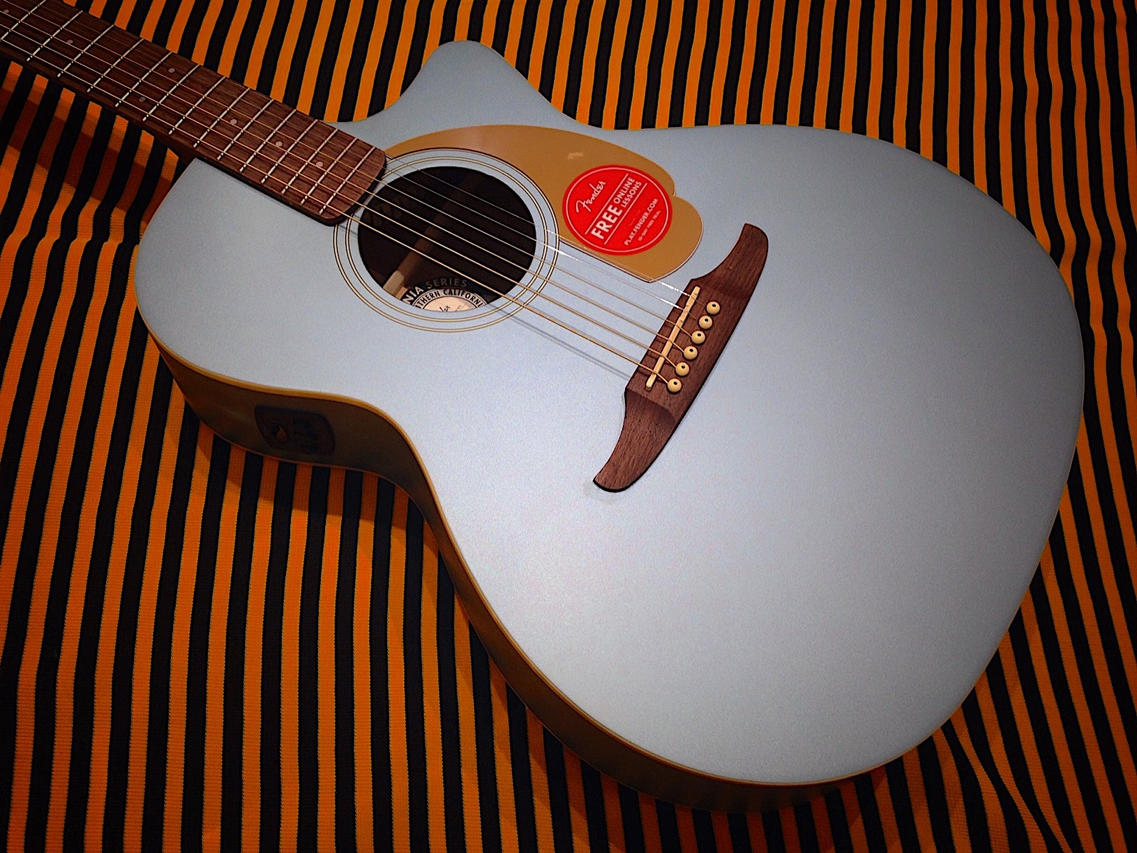 Fender-newporter-guitar