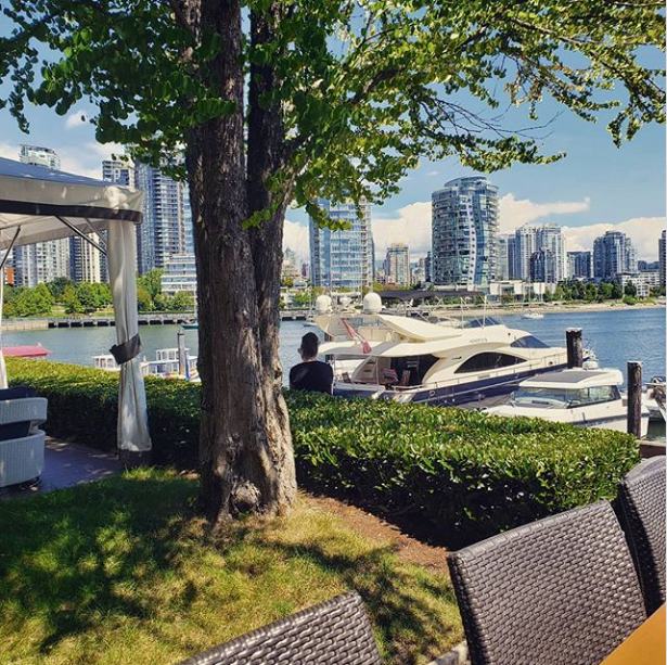 Dockside-patio