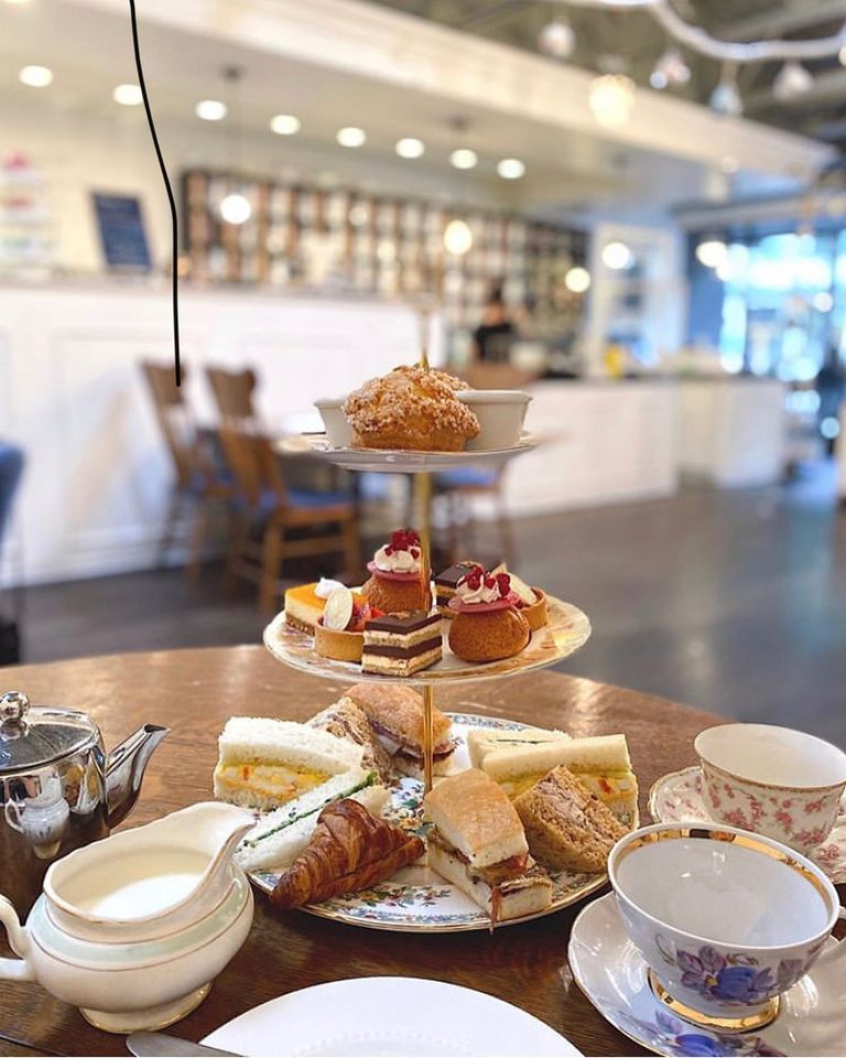 High-tea-display