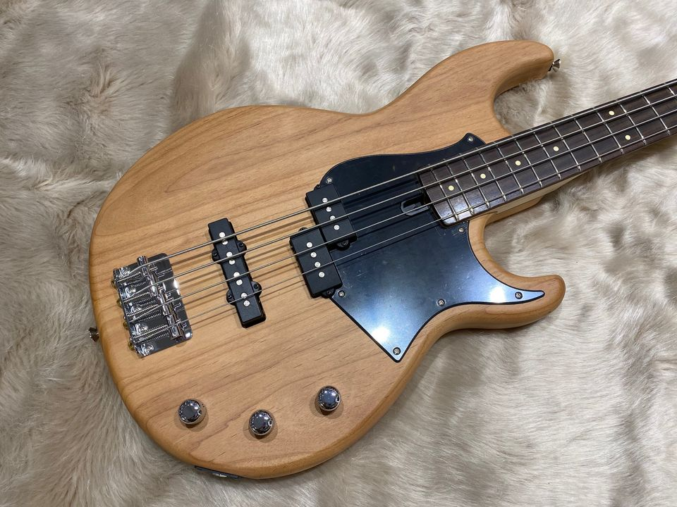 Yamaha-bass-guitar